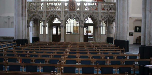Trouwkapel zitbankjes Sint-Joriskerk Amersfoort